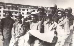8-Строители-9-эт.-дома-160-кв.-пр.-Целинников-бригада-Чемелева-Г.-И-1983-год.
