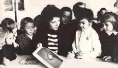 16-Школа-№13-учительница-Герман-О.-К.-в-департаменте-области-советов-1983-год