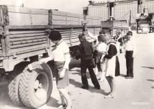 23-Учащиеся-школы-№20-на-Целиноградском-элеваторе-сентябрь-1981-год