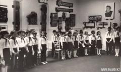 38-Школа-имени-Кирова-приём-в-пионеры-1985-год